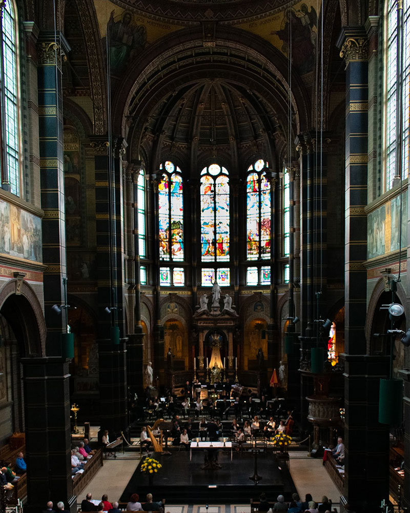 June 10: The Concordia Wind Orchestra performs in the St. Nicholas Basilica, Amsterdam (pc: Sam Held)